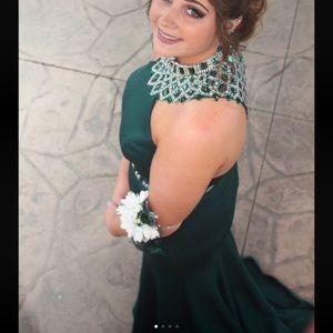 Ellie Wilde Emerald Green Prom Dress Size 12